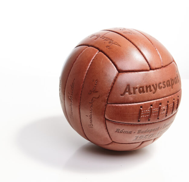 Leather ball of the Aranycsapat.