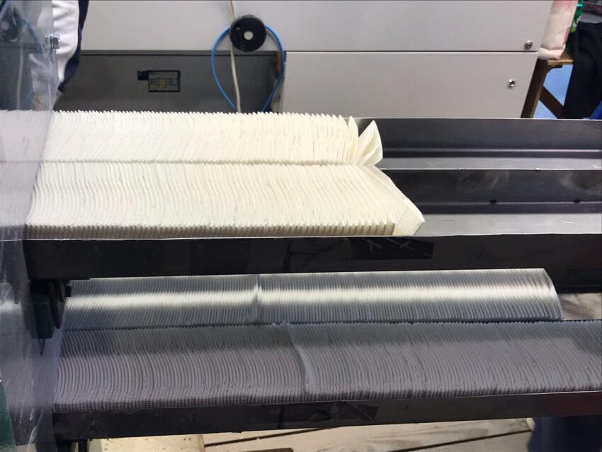 Szalvéta gyártó gép